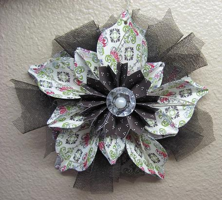 Holiday Catalog Ornament 001